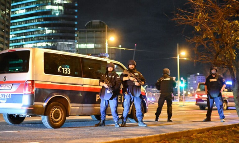 Επίθεση στη Βιέννη: Η αστυνομία παίρνει μέτρα και για άλλο χτύπημα
