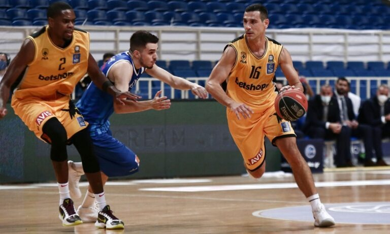 Basket League: Ντέρμπι τετράδας στο Περιστέρι – Για το 3/3 το Μεσολόγγι