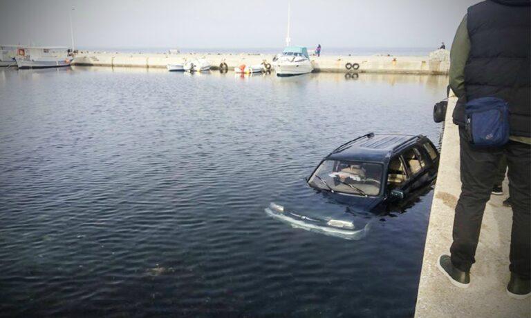 Θεσσαλονίκη: Αυτοκίνητο έπεσε στον Θερμαϊκό! (pics)