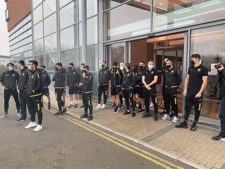 ΑΕΚ: Η Original 21 Λονδίνου αποθέωσε τους παίκτες στο Λέστερ (pic-vids)
