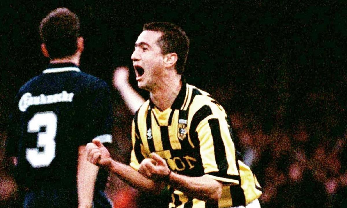 4/12/1998: Ο Νίκος Μαχλάς γίνεται ο κορυφαίος ξένος Top σκόρερ στο Ολλανδικό πρωτάθλημα (vid)