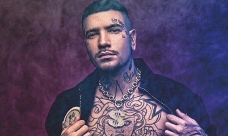Snik: To νέο του τατουάζ του προκάλεσε πυρετό
