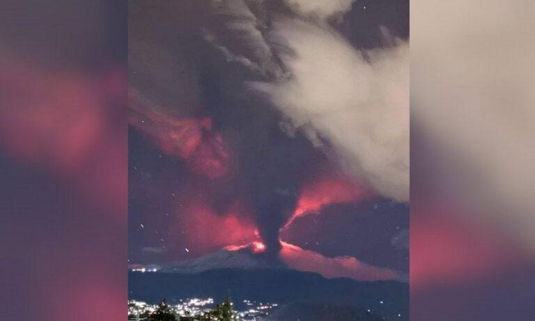 Αίτνα: Εξερράγη το ηφαίστειο – Σιντριβάνια λάβας ύψους 100 μέτρων (vids)