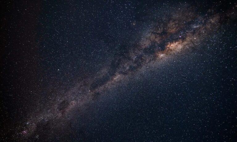 VIRAL: Τι είχαν προβλέψει οι αστρολόγοι για το 2020
