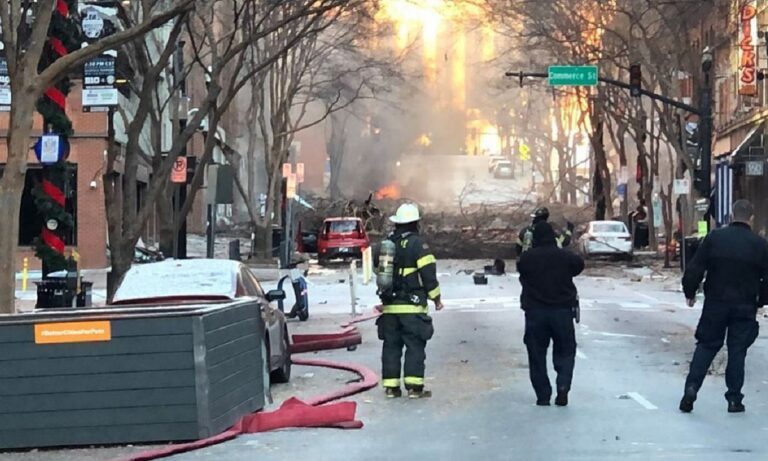 ΗΠΑ: Σοκαριστική έκρηξη στο κέντρο του Νάσβιλ (vid+pics)