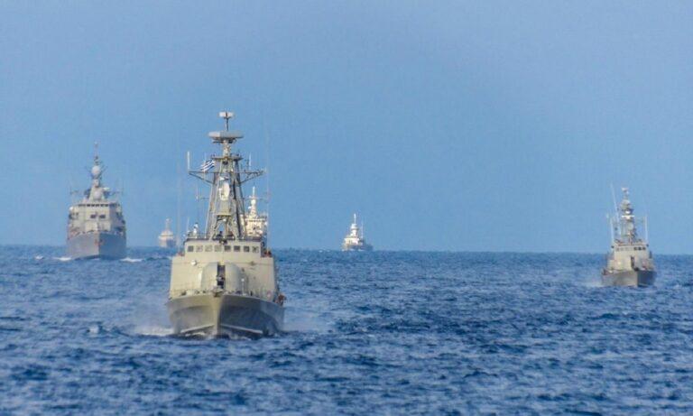 Απλώθηκε τάχιστα ο Ελληνικός στόλος στο Κρητικό πέλαγος και άρχισε τις βολές (pics)