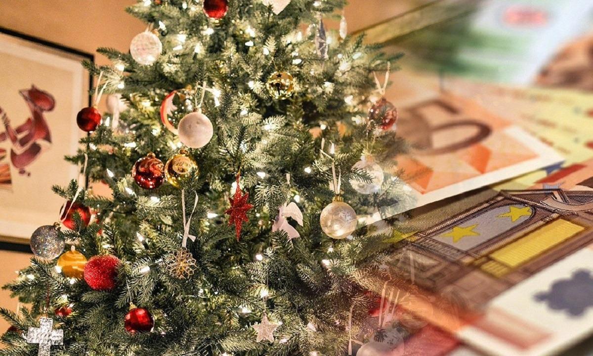 Δώρο Χριστουγέννων: Σε δύο δόσεις η καταβολή του στους εργαζόμενους που είναι σε αναστολή