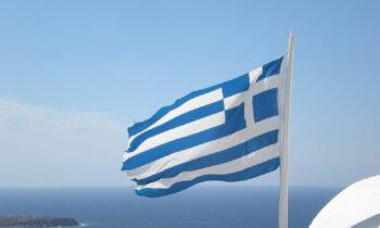 Ρώσοι: Ο ελληνικός στρατός άνοιξε πυρ σε τουρκικά αεροσκάφη στην περιοχή της Κρήτης, υποστηρίζει το news-r.ru.