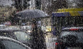 Καιρός 4/12: Βροχές με πολλά μποφόρ