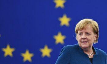 Ιστορική χαρακτήρισε η Άνγκελα Μέρκελ την εμπορική συμφωνία που επετεύχθη μεταξύ της Ευρωπαϊκής Ένωσης και της Βρετανίας για τη μετά-Brexit εποχή.
