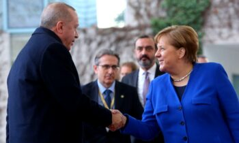 Ελληνοτουρκικά: Τα κυβερνητικά ΜΜΕ της Τουρκίας, που ελέγχονται από τον Ερντογάν πανηγυρίζουν και ευχαριστούν την Μέρκελ για την στάση της.