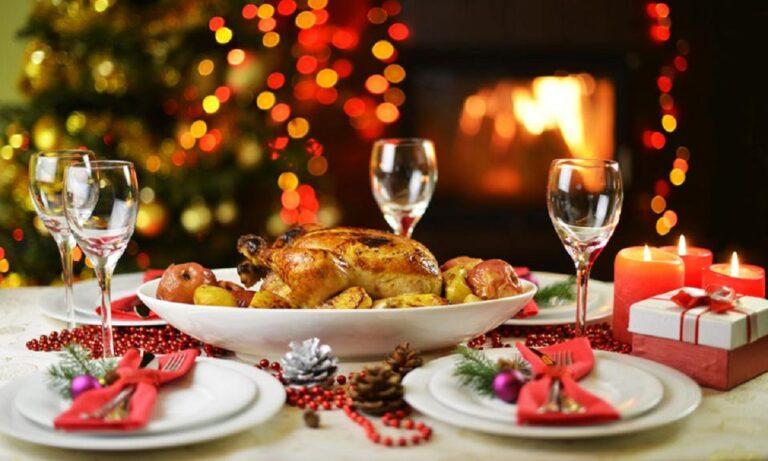 Χριστούγεννα: Τα πρόστιμα για οικοδεσπότη και καλεσμένους αν ξεπεράσουν τα 9 άτομα
