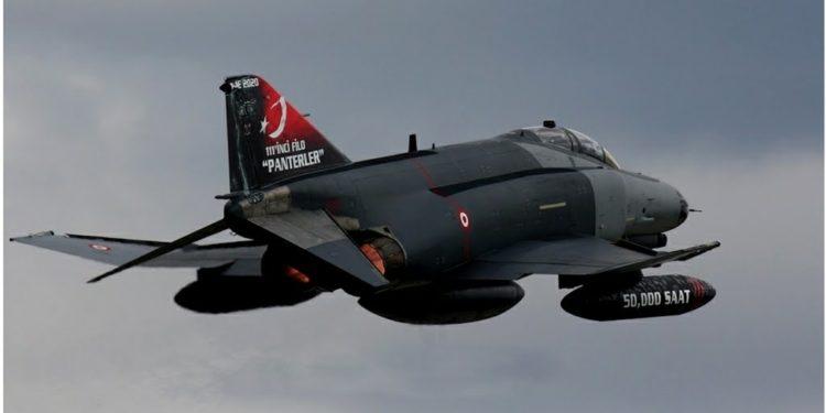 Τουρκία: Είδαν το… χάρο με τα μάτια τους τουρκικά F-4 – Τα πήραν στο κυνήγι ελληνικά F-16