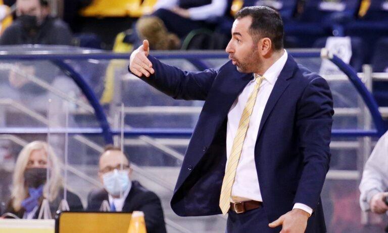 Καμπερίδης: «Να τελειώσει η χρονιά και να δούμε πως θα πορευτούμε»
