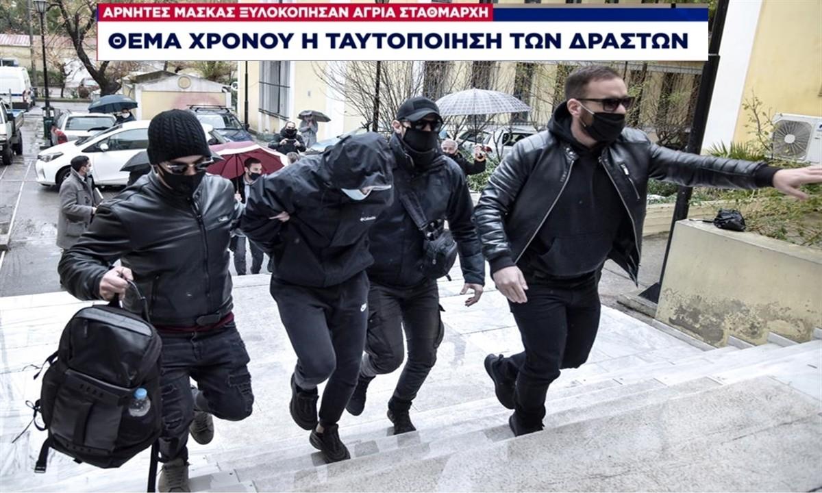 Το λιανεμπόριο άνοιξε άλλα η καταστολή και η προπαγάνδα συνεχίζονται: oι «αρνητές της μάσκας»… παραμονεύουν παντού!