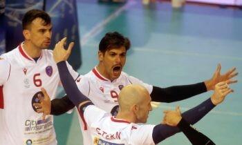 Volley League: Απίστευτος Φοίνικας – Μετά τον Ολυμπιακό, «άλωσε» την έδρα του ΠΑΟΚ (vid). Ο Φοίνικας Σύρου συνεχίζει να εντυπωσιάζει, νικώντας και τον ΠΑΟΚ στην έδρα του με 2-3 σετ