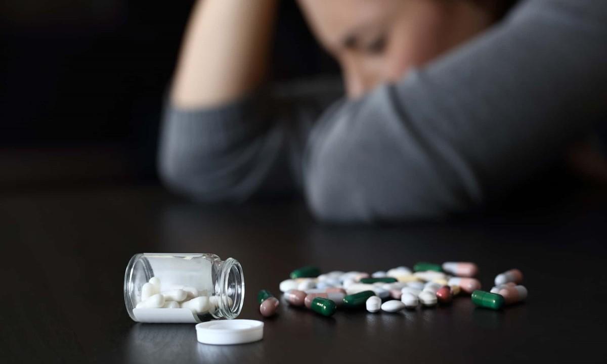 Εθνική κατάθλιψη: Ναρκωτικά, ηρεμιστικά, υπνωτικά, αντικαταθλιπτικά σαρώνουν την «κορονοϊόπληκτη» Ελληνική κοινωνία!