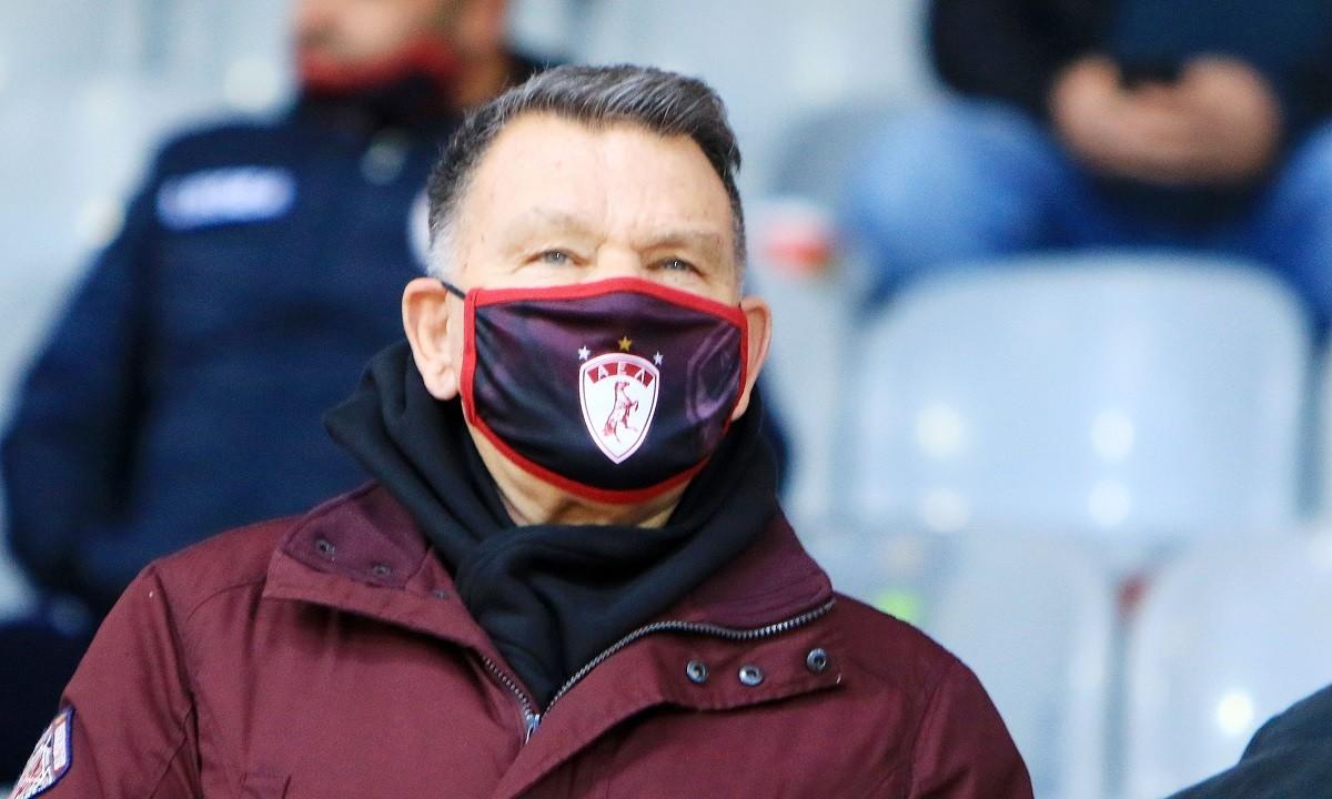 Κούγιας: «Δεν έχω δει μεγαλύτερο καραγκιόζη προπονητή»