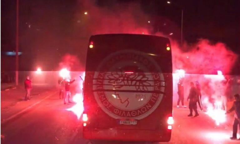 Ολυμπιακός: Η αποθέωση, που άρεσε, στο δρόμο για Αγρίνιο (pics + vid)