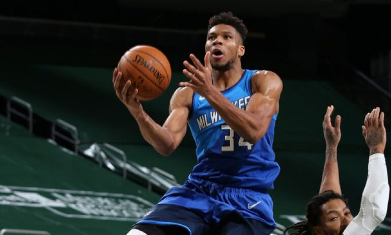 NBA: Περίπατος για Αντετοκούνμπο και Μπακς, νίκη για τους Κλίπερς απέναντι στους Γουόριορς (vid)