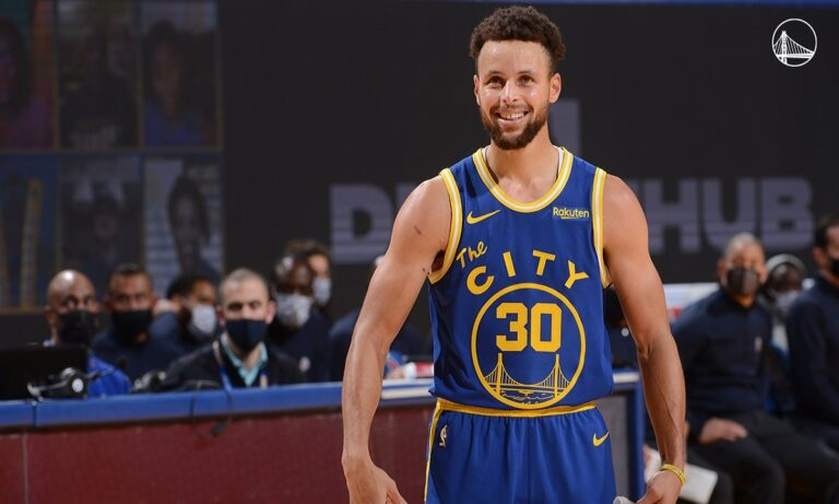 NBA: «Διέλυσε» τους Κλίπερς ο Κάρι, νίκη-θρίλερ οι Λέικερς (vids)