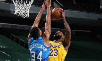 NBA: O Αντετοκούνμπο «υποκλίθηκε» στη βραδιά του ΛεΜπρόν! (vid)