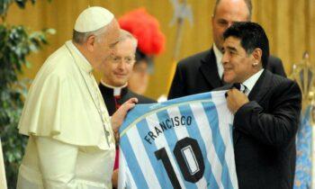 Πάπας Φραγκίσκος για Μαραντόνα: «Ήταν ποιητής μέσα στο γήπεδο, αδύναμος έξω από αυτό»