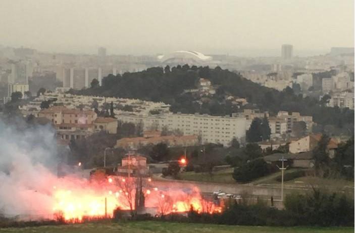 Μαρσέιγ: Εξαγριωμένοι οπαδοί έβαλαν φωτιές στο προπονητικό κέντρο! (vids+pics)