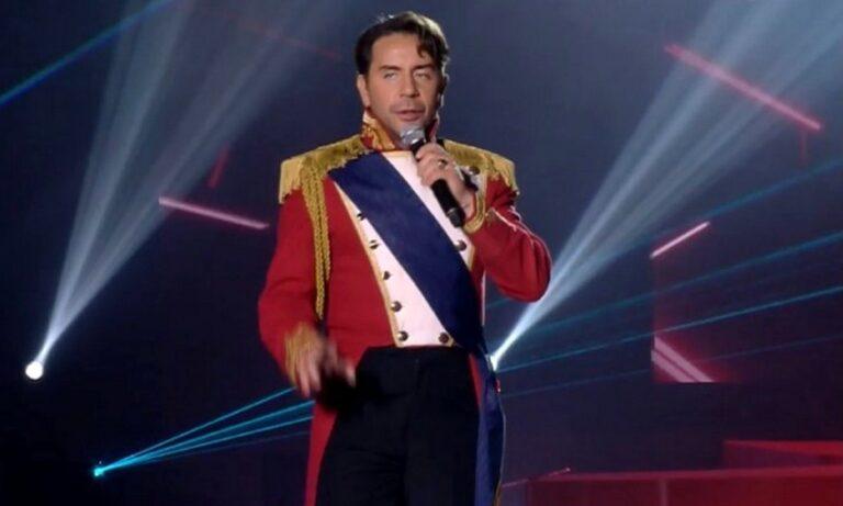 Madwalk: Χαμός στο Twitter – «Ο Μαζωνάκης ντύθηκε Ναπολέων Wannaparty» (pics & vid)