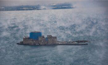 Ναύπλιο: «Έβρασε» η θάλασσα - Τι είναι το φαινόμενο sea smoke (pics)