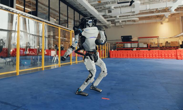 Viral: Ρομπότ τα «σπάνε» στον χορό (vid)
