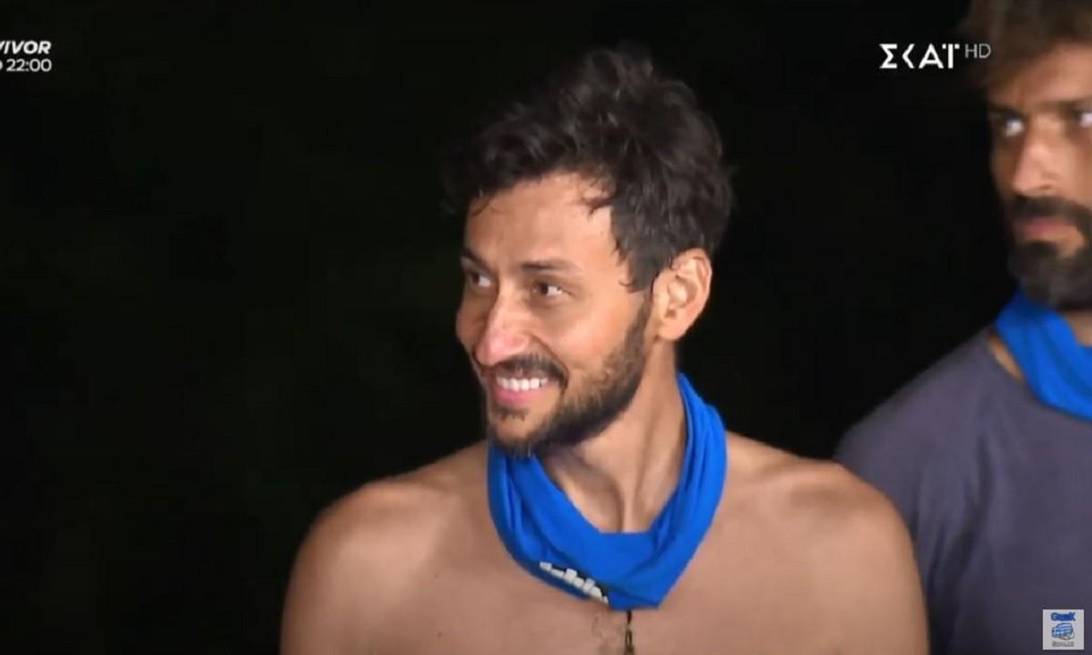 Survivor 19/1: Ο Πάνος Καλίδης δήλωσε… Ολυμπιακός και έκανε μια «χαψιά» τον Τριαντάφυλλο!