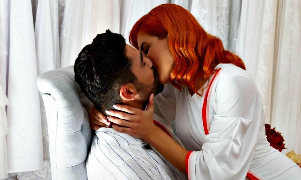 The Bachelor: Η Νικολέτα γίνεται μαγείρισσα για να… τρώει ο Παναγιώτης Βασιλάκος