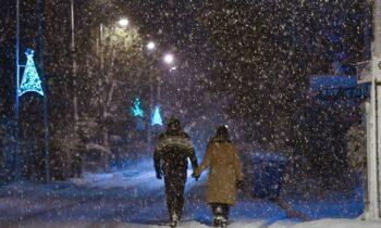 Καιρός - Κακοκαιρία Λέανδρος: Χιόνια, τσουχτερό κρύο και θυελλώδεις άνεμοι από την Πέμπτη (14/1)