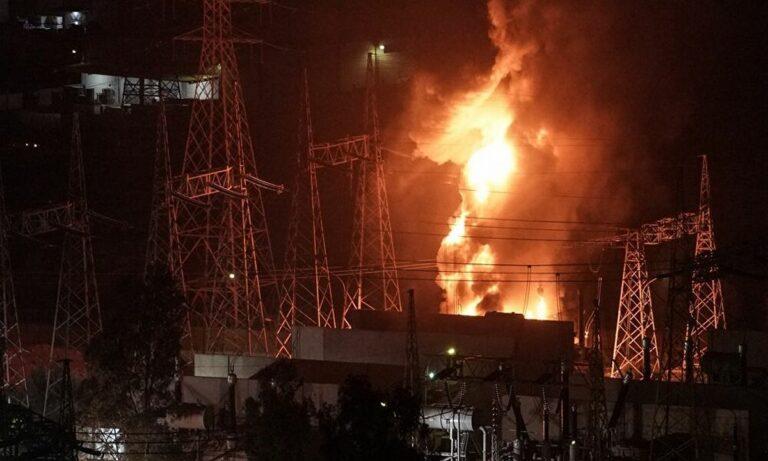 Έκρηξη στον Ασπρόπυργο: Ένα βραχυκύκλωμα οδήγησε στην απώλεια ρεύματος πάνω από 1 εκατ. κατοίκους!