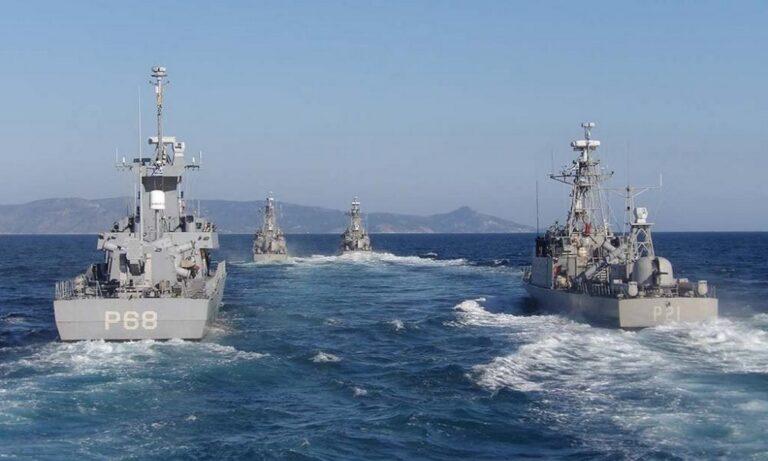 Πολεμικό Ναυτικό: Μπήκαν οι πύραυλοι στην πυραυλάκατο «Καραθανάσης»(pics)