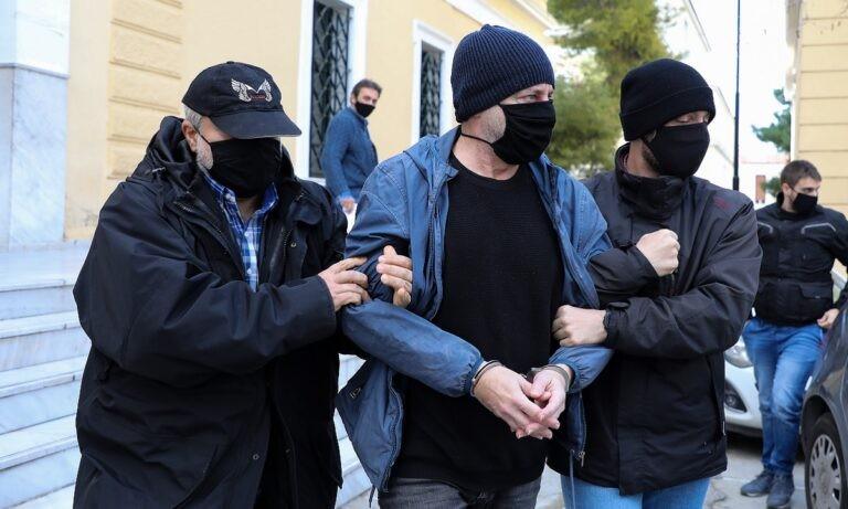 Δημήτρης Λιγνάδης: Αλλάζουν τη στάση τους, κρατώντας αποστάσεις από τον σκηνοθέτη-ηθοποιό, οι δύο μάρτυρες υπεράσπισης του ηθοποιού-σκηνοθέτη.
