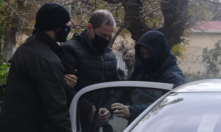 Δημήτρης Λιγνάδης – Κόλαφος το ένταλμα σύλληψης: «Εγκληματική ροπή επί πολλά έτη»