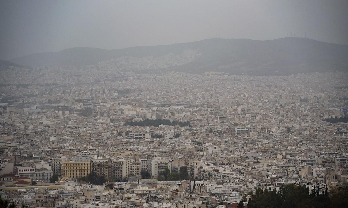 Καιρός (11/2): Βροχές, καταιγίδες και αφρικανική σκόνη (vid)
