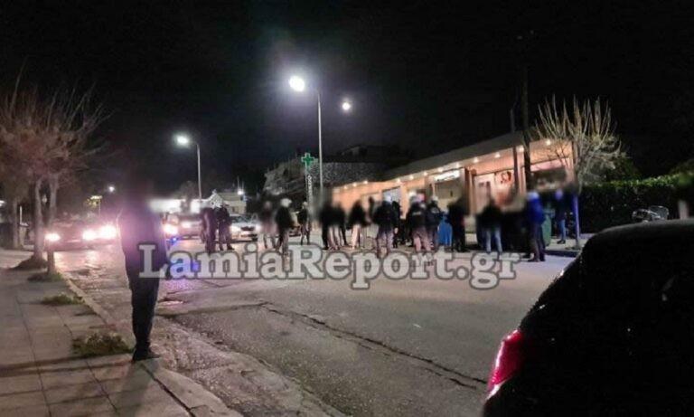 Κουφοντίνας: Ένταση και προσαγωγές έξω από το νοσοκομείο στη Λαμία (vids)