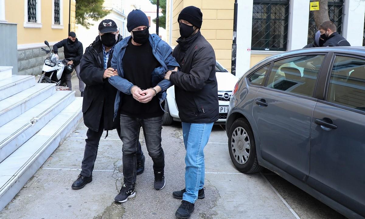 Λιγνάδης: Πληθαίνουν οι καταγγελίες εις βάρος του ηθοποιού-σκηνοθέτη, ο οποίος κρατείται στις φυλακές Τρίπολης έως ότου οριστεί η δίκη του.