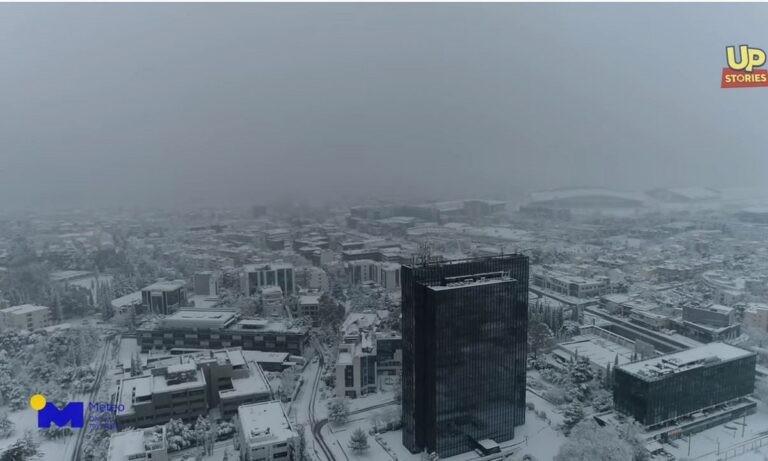 Κακοκαιρία Μήδεια: Η χιονισμένη Αθήνα από ψηλά