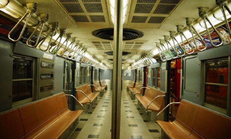 Παρανοϊκός μαχαιροβγάλτης στο Μετρό της Νέας Υόρκης - Σενάριο βγαλμένο από ταινία θρίλερ είναι τα όσα έζησε η πόλη της Νέας Υόρκης.