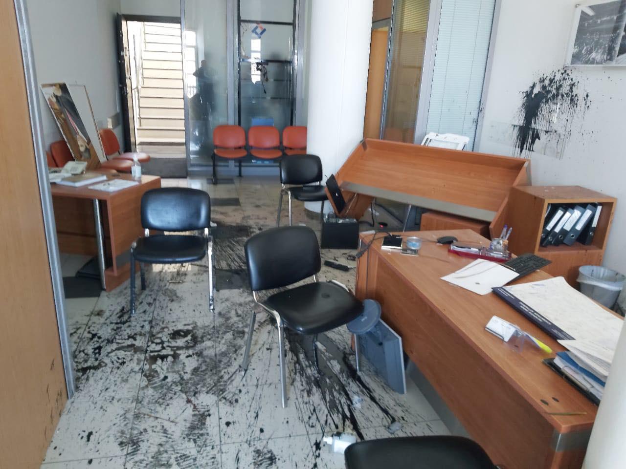 Επίθεση στο πολιτικό του γραφείο στο Ηράκλειο της Κρήτης, δέχθηκε ο Λευτέρης Αυγενάκης, όπως γνωστοποίησε ο ίδιος ο Υφυπουργός Αθλητισμού.