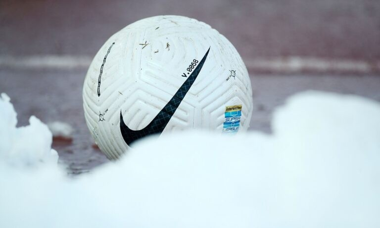 Super League 1: Ιδιοκτήτης ΠΑΕ ξέφυγε με μπινελίκια σε διαιτητή