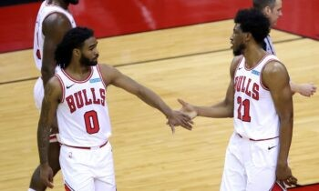 NBA Αποτελέσματα: Άνετες νίκες για Μπουλς και Μάβερικς (vids)