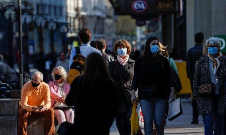 Κορονοϊός: Σταθερά περισσότερα από 2.000 νέα κρούσματα