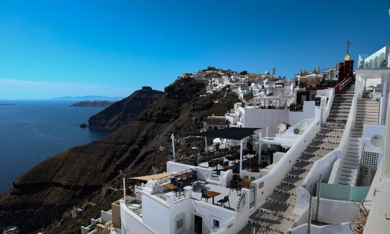Corriere della Sera: «Το σχέδιο της Ελλάδας για έναν covid free παράδεισο»