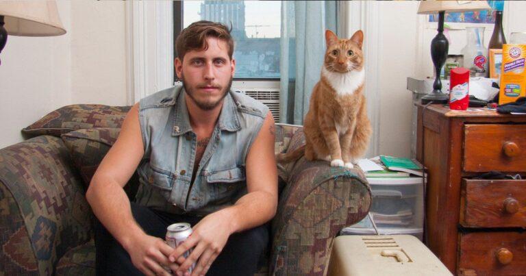 SOS για Αντρες, μη φωτογραφίζεστε με το γατάκι σας