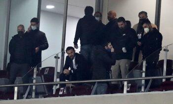 Δεν έλειψε η ένταση μετά το τέλος του αγώνα Ολυμπιακός - Άρης στο «Καραϊσκάκης», ο οποίος έληξε με σκορ 1-1 για την 23η αγωνιστική.